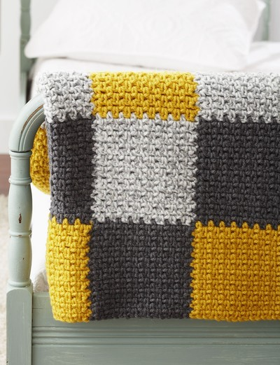 FREE Crochet Throw Blanket Patterns featured by top US crochet blog, Flamingo Toes: Stellar Patchwork Crochet Blanket