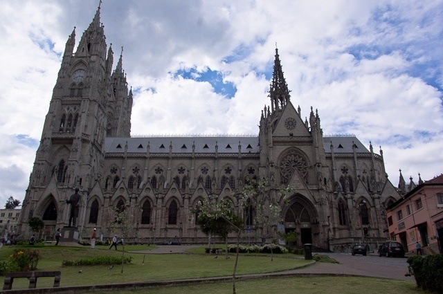 Que faire à Quito ? Voir la Basilica del Voto Nacional