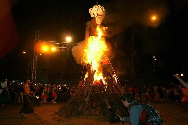 quemada de Judas Semaine Sainte
