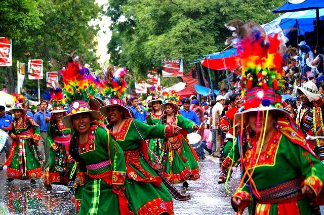"Tinkus au Carnaval d'Oruro © <a href=""https://www.flickr.com/photos/47036637@N06/"" target=""_blank"">CassandraW1</a>"