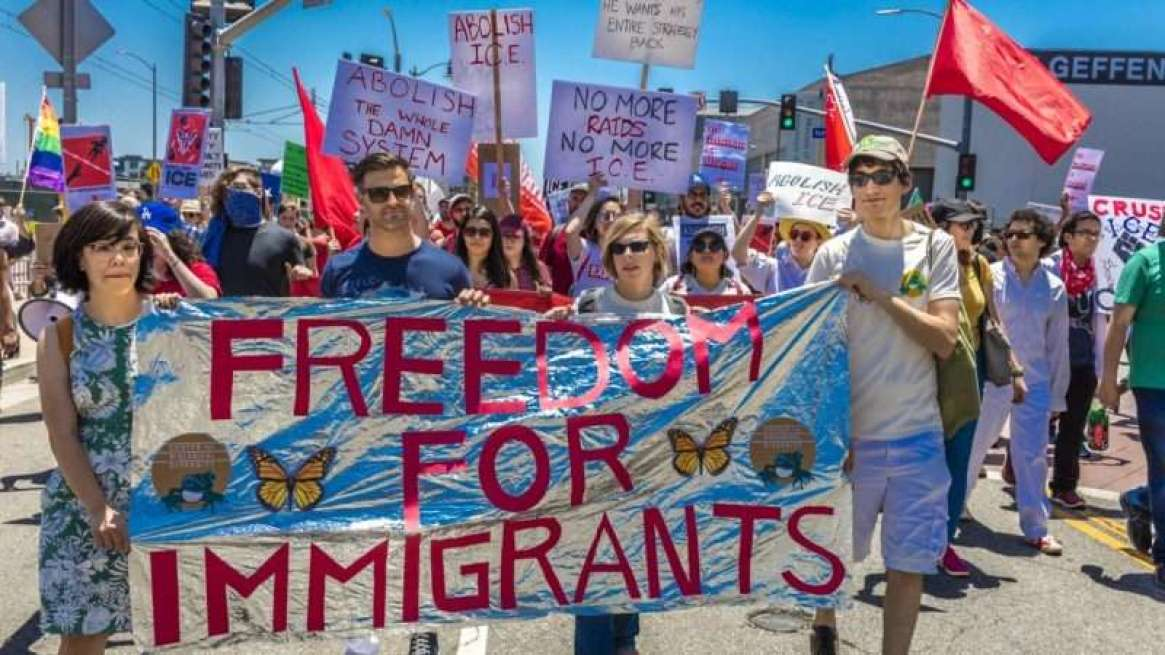 immigrationprotest_1161x653