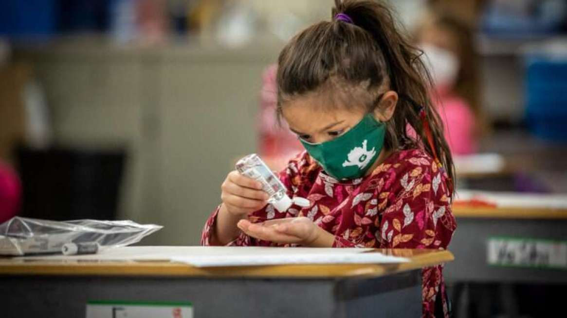 masked-girl-classroom-Phil-Roeder-Flickr