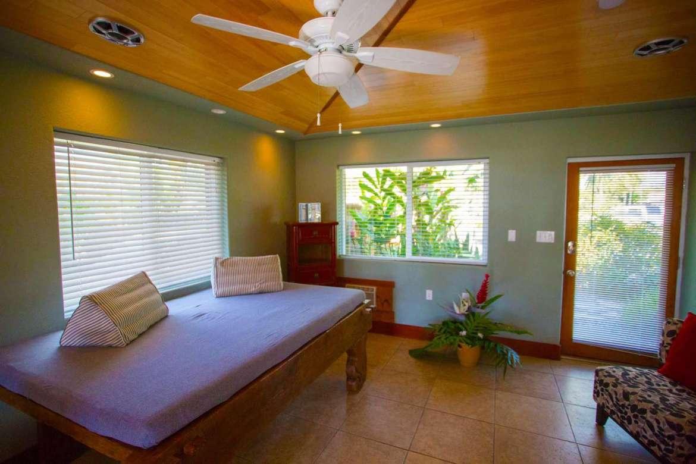 Bamboo Hale' living area