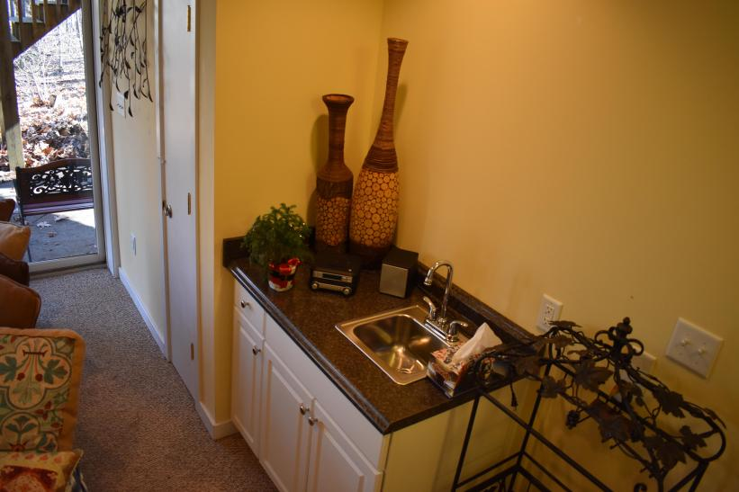 other view of wet bar
