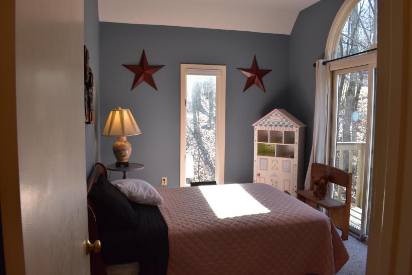 Kids Corner Level 3 Bedroom, closet, sliding glass doors, balcony, no bath