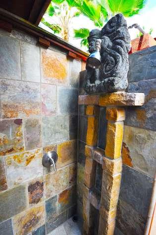 Out door shower at Tiki Moon Villas