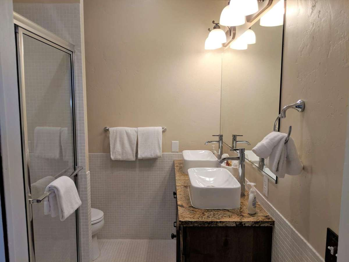 Double Sinks and large enclosed shower