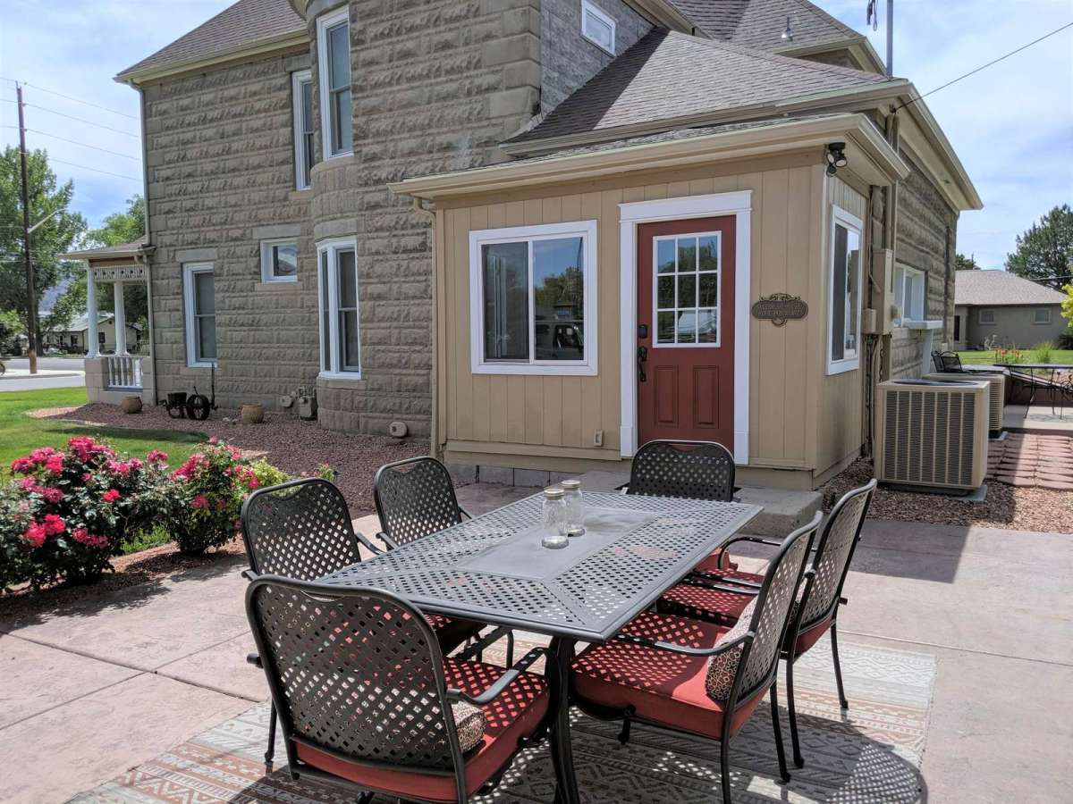 Open Patio with lovely dining set seats up to 6