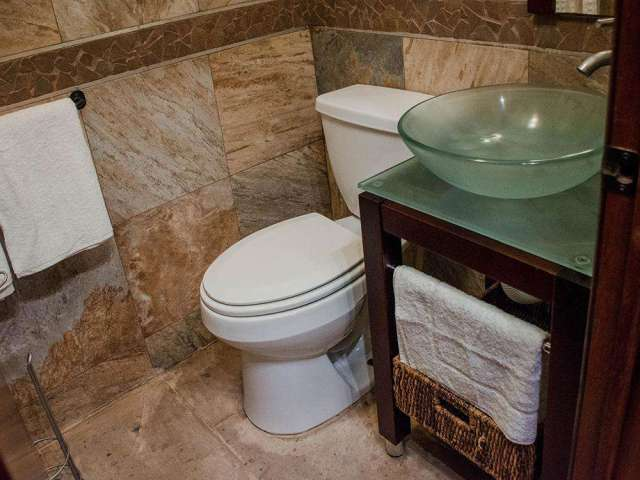 Bungalow Unit w/ Full Bathroom