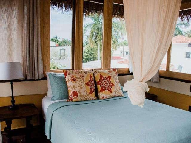 Studio Unit Palapa Bedroom w/ Queen Bed