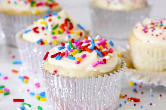 Easy Birthday Cake Cupcakes More Low Calorie Cupcake
