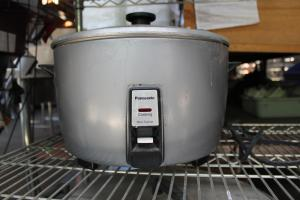 Panasonic 23 CUP RICE COOKER, GENTLY USED, SR42HZP