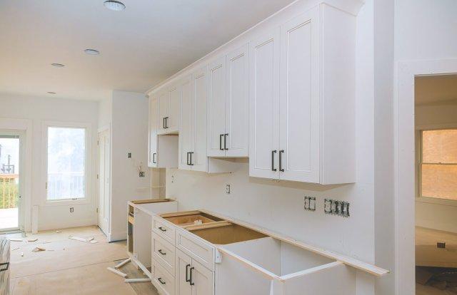 Gebrauchte Küchen kaufen - wann lohnt sich das? | Aroundhome