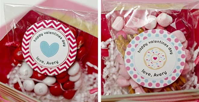 HOT BUY – set of 24 Valentines Stickers & Bags – FREE PERSONALIZATION