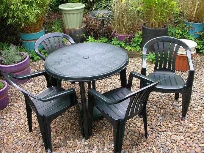 freelywheely dark green patio set