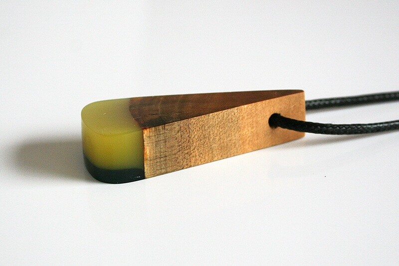 Dublin Bay Drift Wood Collection: Medium Yellow Green Pendant