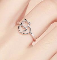 Curled Cat Ring