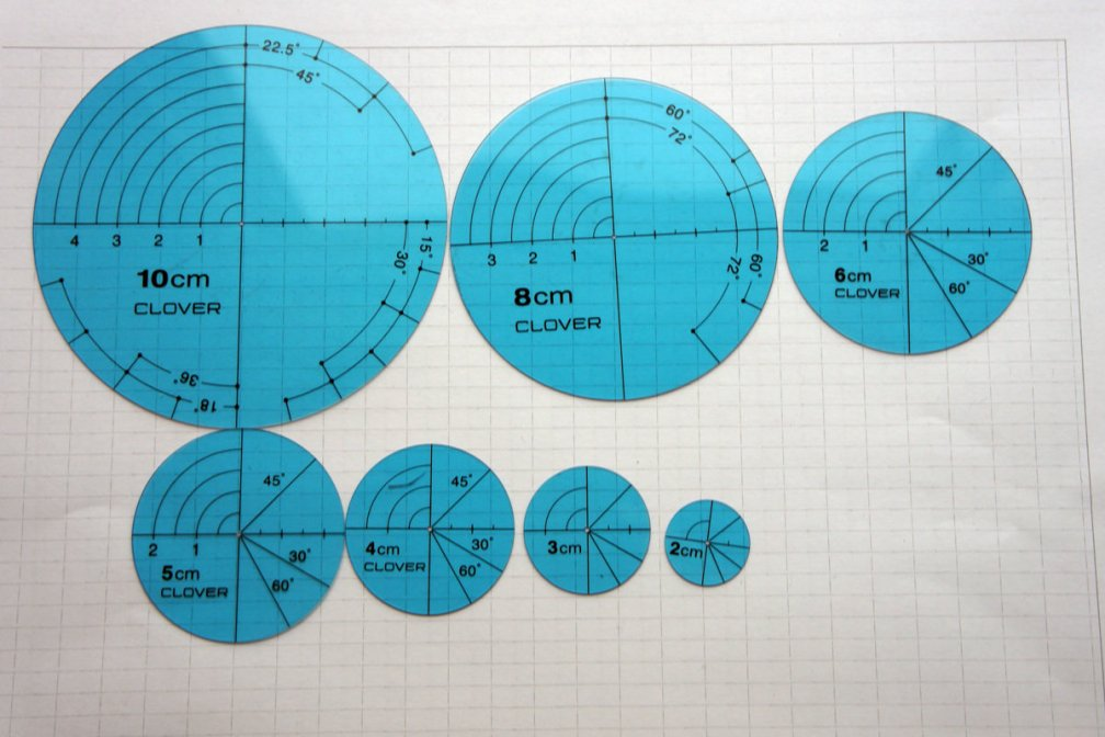 A set of Circle Plates | place to draw geometric patterns.