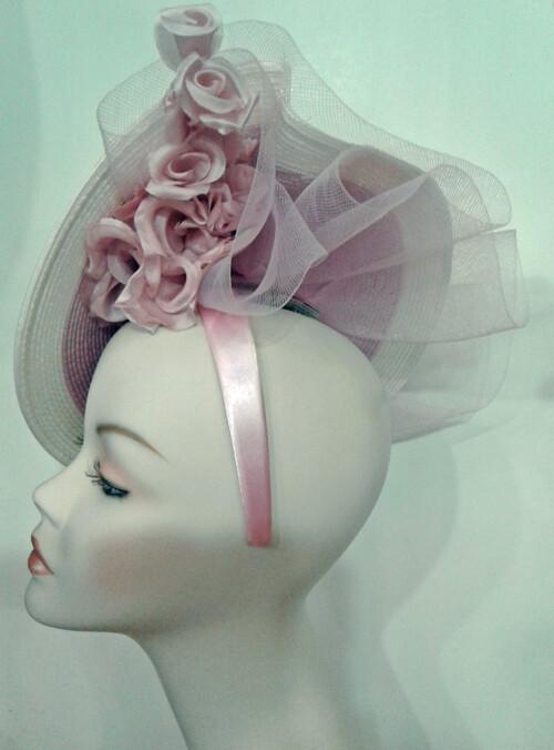GIO/Lavender and White Fascinator