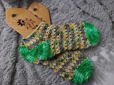 Crisscross Socks Crochet Pattern
