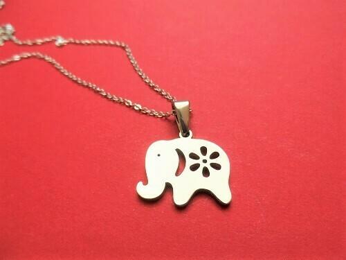 Lucky elephant necklace ~ steel