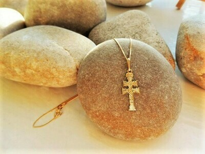 Caravaca Cross necklace ~ 18ct Gold, small