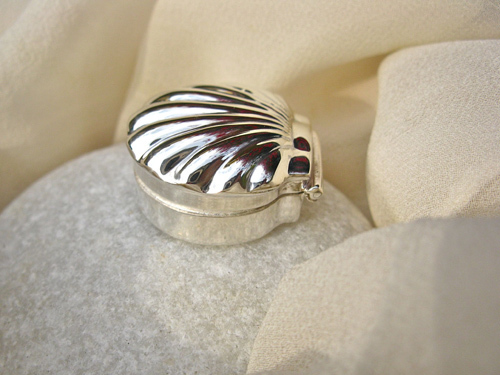 Scallop shell keepsake box ~ sterling silver