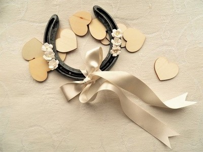 Lucky horseshoe for wedding gift