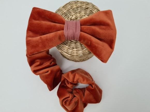 Velvet bow tie orange