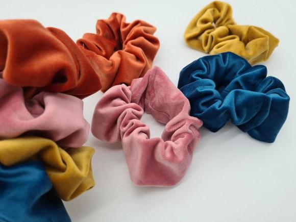 Velvet scrunchie orange