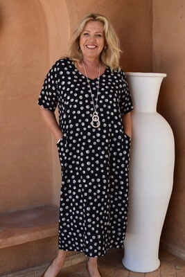 KASBAH Romaana - Short sleeved spotted bubble dress with pockets.