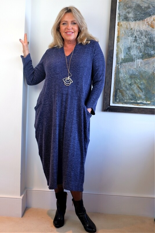 KASBAH Rene Dress - Cosy V neck bubble dress