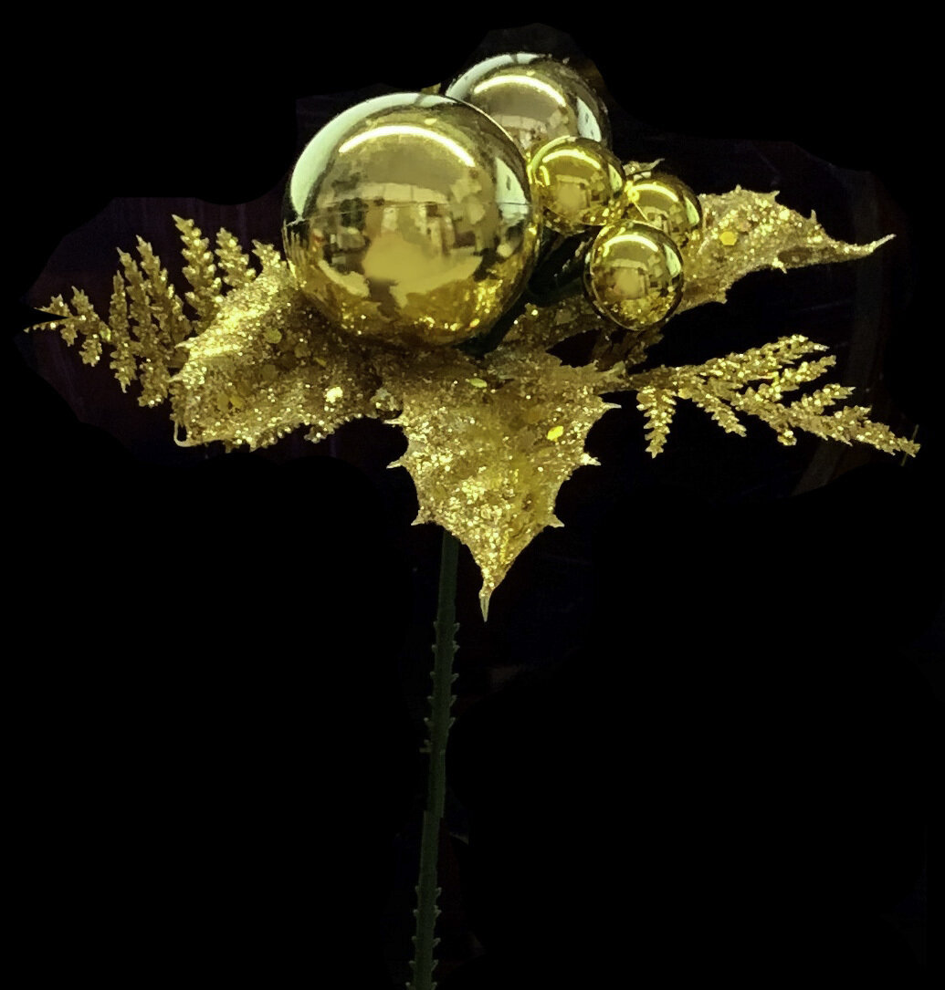 XP1003CO GLD - Gold Glitter Ball with Holly $9.75 per dozen Minimum order: 1 dozen Case Pack: 48