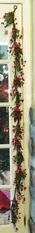 PMX7053 - 6' Berry Garland With Red and Green Berries