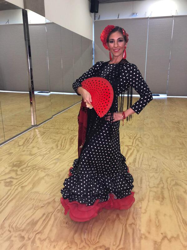 Vestido Sibilina Modelo Carmela negro lunar blanco y cacan rojo talla 42