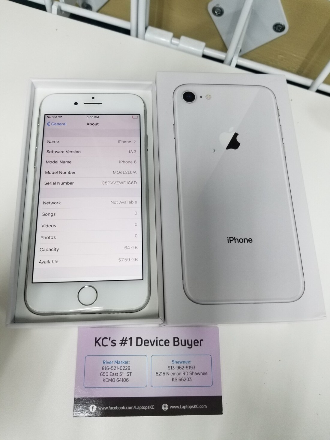 iPhone 8 64GB Carrier unlocked white