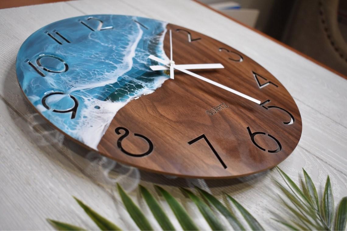 "12"" Resin Wave Clock"