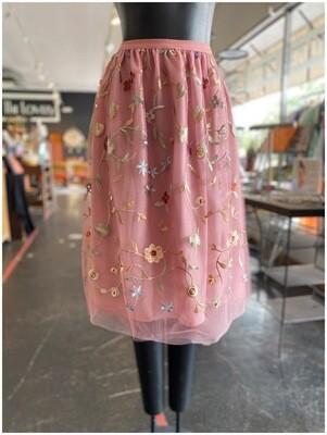 Modern Floral Embroidered Mesh Overlay Skirt