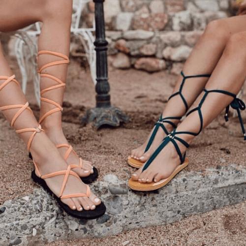 Simple laces