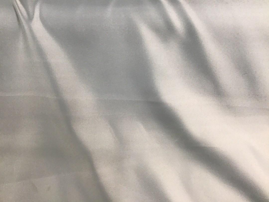 Satin bleu clair 300