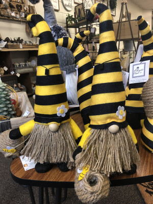 """(577) 14"""" Humble Bee gnome with bee skep"""