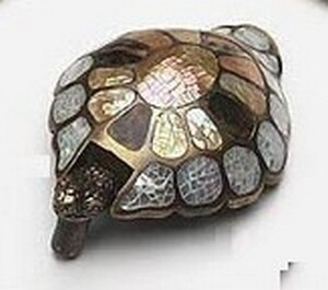 Symphony Designs Decorative Hardware Turtle White Mother of Pearl, Tiger Penshell and Brown Lip Inla