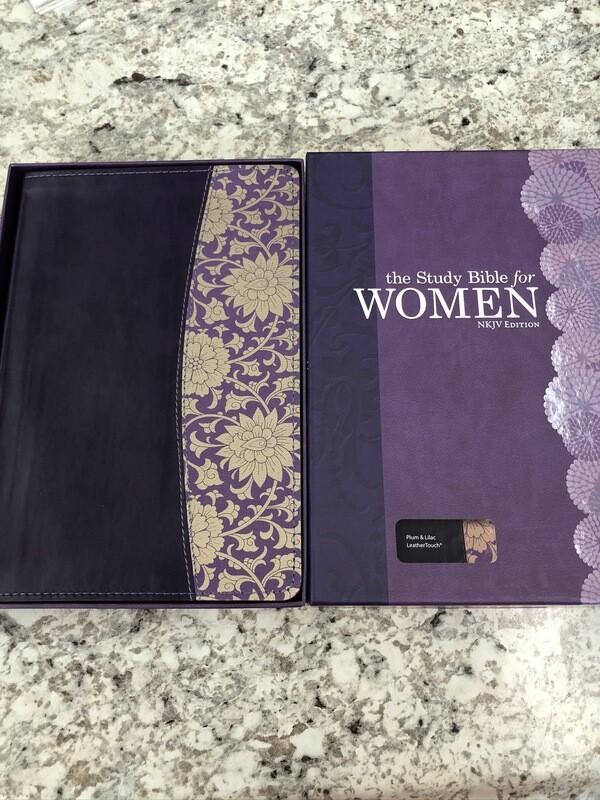 NKJV Women's Study Bible Burgundy Floral Hardcover