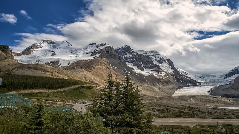 Canadian Rockies Columbia Icefield Glaciar 3003