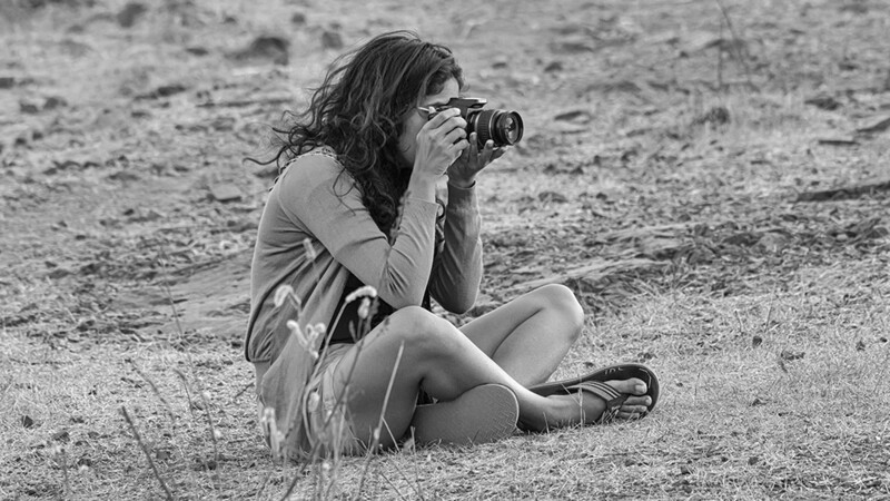 Girl Photographer 7334