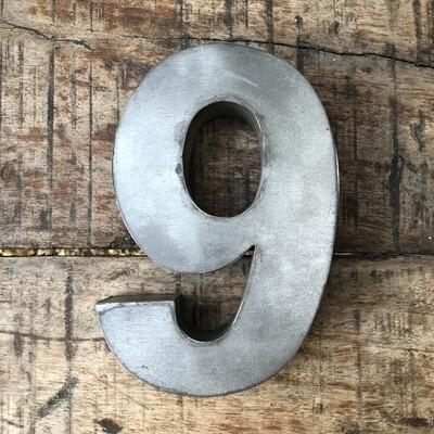 Numéro de maison en zinc - N°9