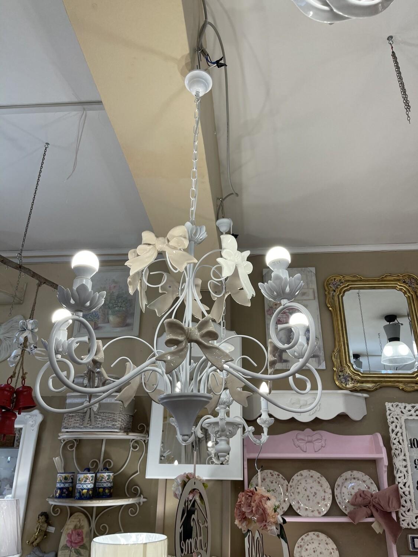 lampadario capodimonte sei fiamme porcellana vintage decorato con i bellissimi classici motivi floreali e roselline. Lampadario 5 Luci Linea Fiocco Tortora Capodimonte