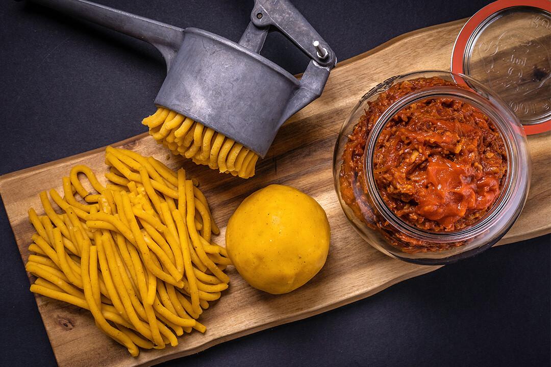 Box 4 porzioni passatelli al ragù tipico di scalogno e pancetta