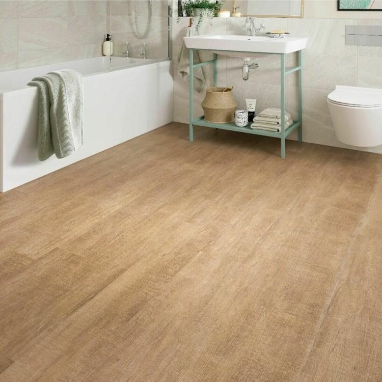 Warm Maple ClicLux LVT Flooring 121.9  x 17.7 cm