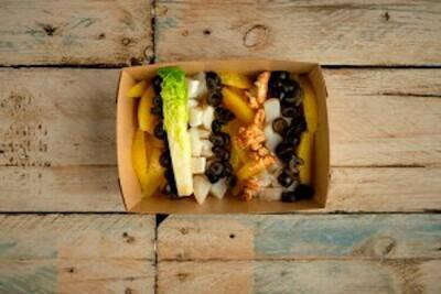 Ensalada de invierno (naranja, bacalao, aceituna negra, nueces, escarola) - Restaurante Don Fadrique